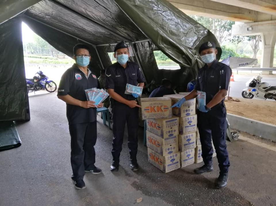 Agihan Pelitup Muka KK kepada warga Polis Diraja Malaysia (PDRM) [October 19]